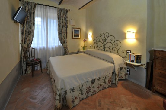 Sarteano, Italy: Standard