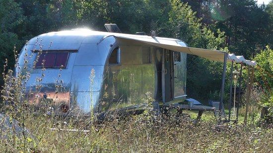 Manses, France: SPARTAN MANOR 1947 - la roll rotce des Caravanes americaines