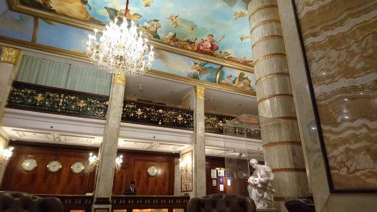 Hotel The Royal Plaza Photo