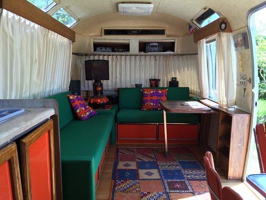 Manses, France: SUMMER SUITE - 1982 - une suite complete avec salon, dinette, salle de bain et chambre.