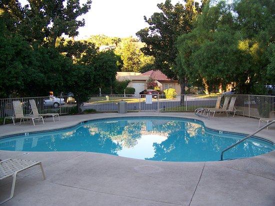 Oasis Villa Resort : 1 of 8 pools