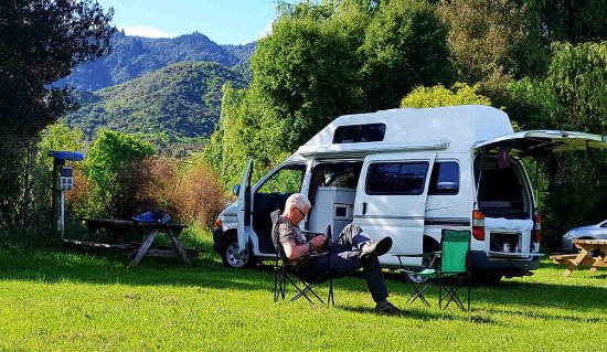 Marahau, New Zealand: Camping at Old McDonalds, no chickens in sight