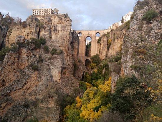 Ronda, Spanje: Puente Nuevo al atardecer