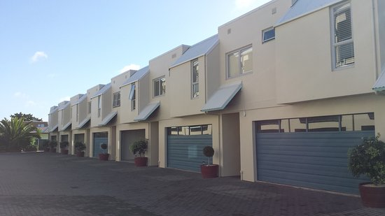 Marine Reserved Apartments : Each unit has its own remote controlled garage