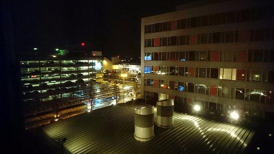 Mövenpick Hotel Stuttgart Airport Bild