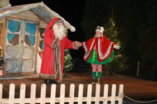 Woodstock, UK: Father Christmas and Elf
