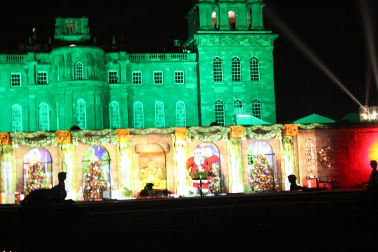 Woodstock, UK: Lights on the Palace