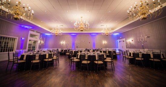 Sterling, MA: Laurelwood Ballroom