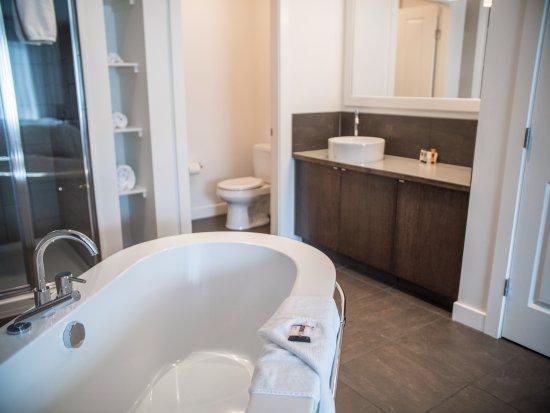 Kimberley, Canada: Master Bathroom