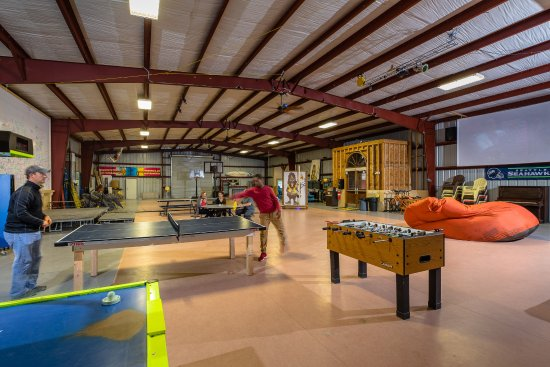 Hammond, OR: Indoor play at the Bigfoot Building!