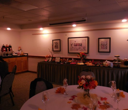 Edmonds, Ουάσιγκτον: Set up for a fall bridal shower
