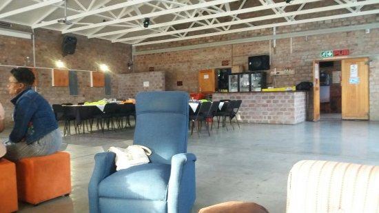Bredasdorp, Sydafrika: Flames Grill & Pub