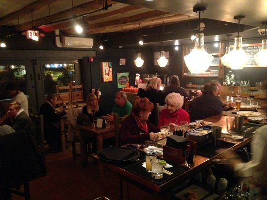 El Prado, نيو مكسيكو: Lively bar at medley.!