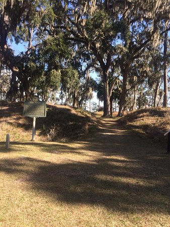 Fort Morris Historic Site: Historical mounds.