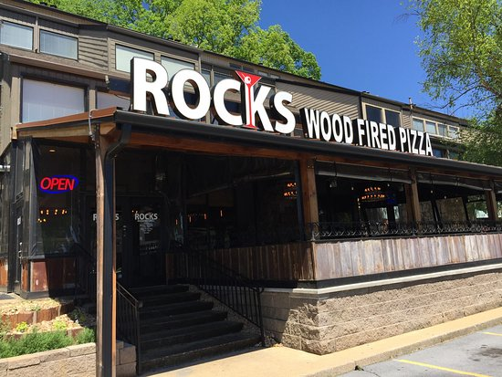 Johnson City, TN: Rocks Wood Fired Pizza & Grill
