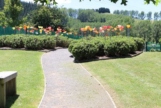 Taupo, New Zealand: Sculpture Garden