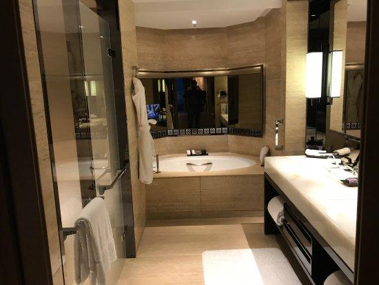 The Ritz-Carlton, Hong Kong: Room #112-31