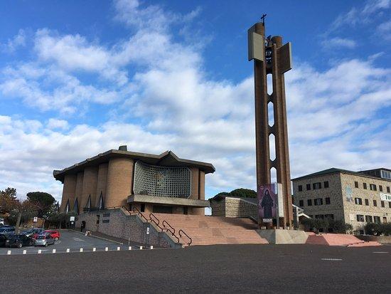 Collevalenza, Italia: Panoramica del santuario
