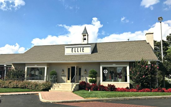 Wayne, PA: Ellie Boutique. Contemporary fashion with the  latest dress, sportswear, accessories & jewelry.