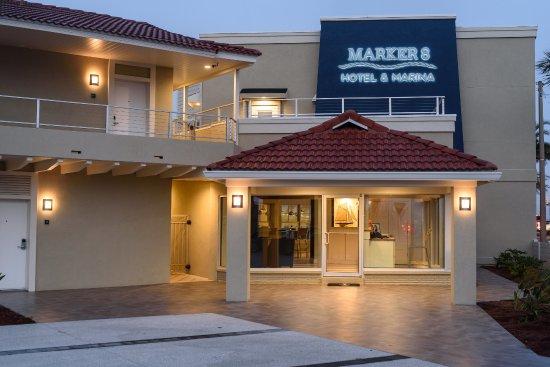 marker 8 hotel marina updated 2018 prices motel. Black Bedroom Furniture Sets. Home Design Ideas