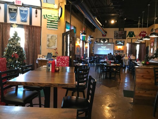 Cornelius, NC: The calm before the lunch rush - nice digs!