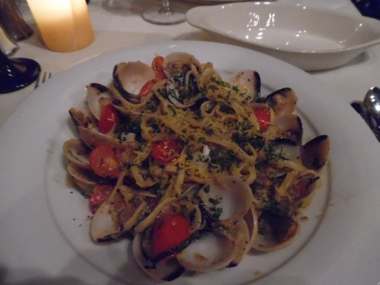 The Woodlands, TX: Linguini con Vongole