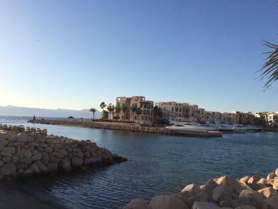 Grand Swiss-Belresort Tala Bay, Aqaba: port de plaisance ouvrant sur la plage