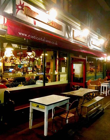 Bexhill-on-Sea, UK: Rustico Neapolitan Street Food, home delivery, eat in or collection!