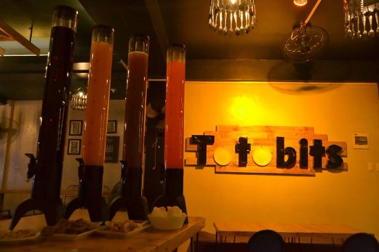 Tarlac, Philippines: Lodi! Sawa knb sa beer? Try mo tong Rapsa at Petmalung Mixed Drinks todi: Punyeta, Tequila Sunri