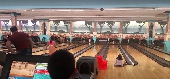 Oshawa, Καναδάς: bowling