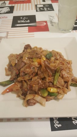 Troy, MI: Beef spicy noodle - very tasty!