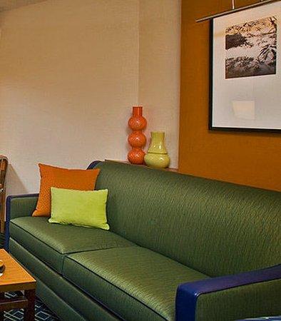 Fairfield Inn & Suites Portland Airport: Guest room