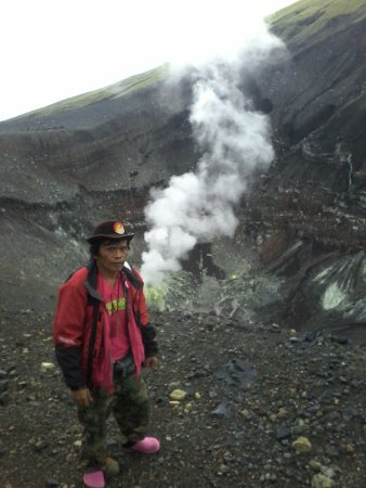 Tomohon, Indonésie : on the lokon tompaluan crater