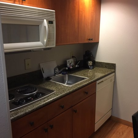 Plainfield, IN: Kitchenette and room