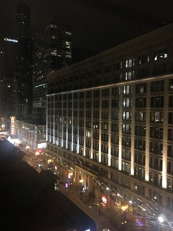 Staypinele An Iconic Hotel The Loop Chicago Our Night Time View Of State