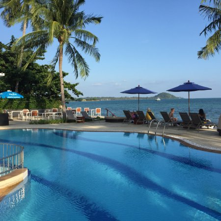 Centra by Centara Coconut Beach Resort Samui: photo2.jpg