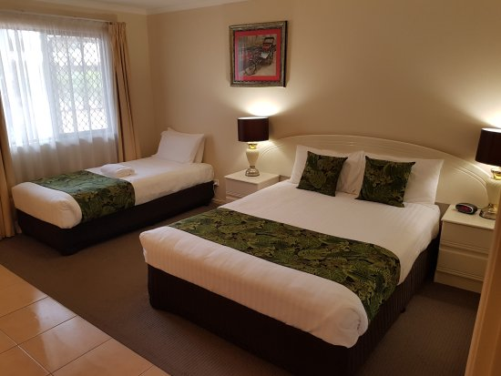 Chinchilla, Australia: Twin Room - 1x Queen Bed & 1x Single Bed