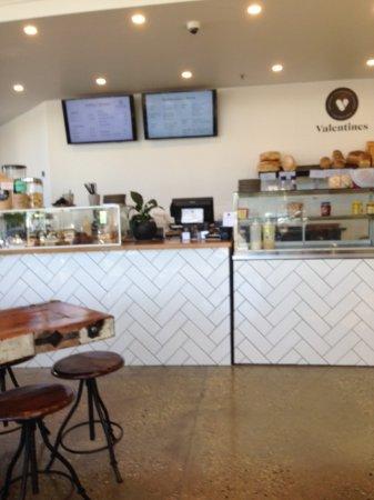 Wodonga, Australia: Payment spot and sandwich bar to right