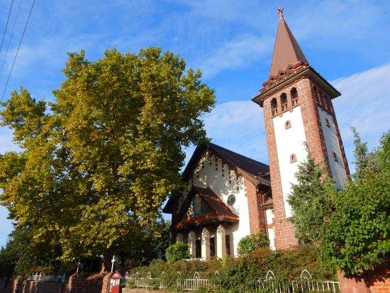 Балатоналмади, Венгрия: Balatonalmádi Szent Imre templom