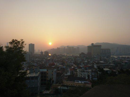 Monte Forte (Fortaleza do Monte): Atardecer desde el fuerte de la ciudad de Macau.