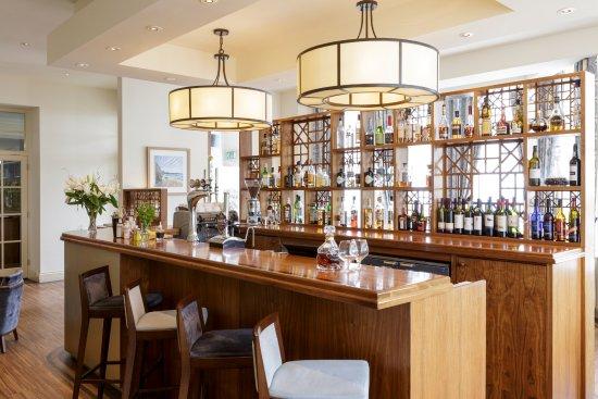 Mullion, UK: Welcoming bar area
