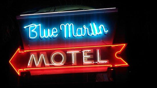 Blue Marlin Motel: Neon lights the way!