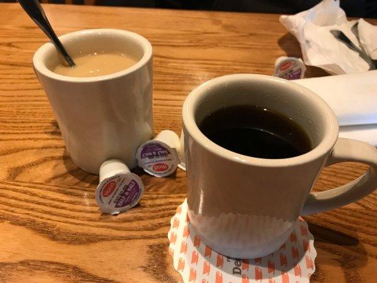 Elkton, MD: Cracker Barrel coffee