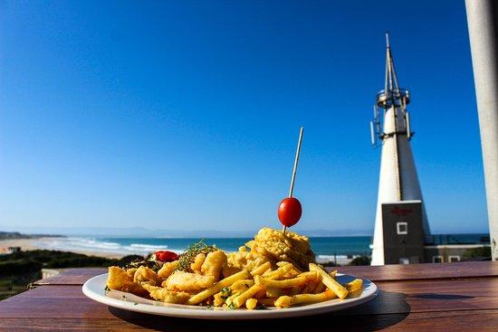 De Viswijf: The Hake, Chips, and Calamari Combo
