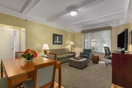 Best Western Plus Hospitality House: 6b1e57dd4b0714b7484d284dc2e0c2af-best-western-plus-hospitality-house_large.jpg