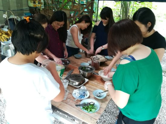 Bayan Lepas, Malaysia: Kneading dough with hand is soothing moments to our guests