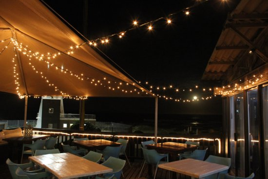 Jeffreys Bay, South Africa: The outside deck where the fairy lights set the scene