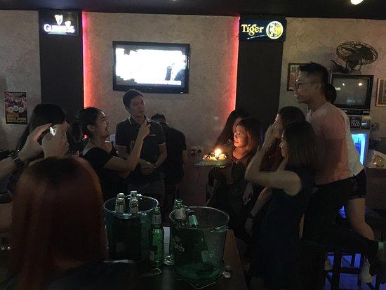 vs9 bar karaoke kuching all you need to know before you go with photos tripadvisor. Black Bedroom Furniture Sets. Home Design Ideas
