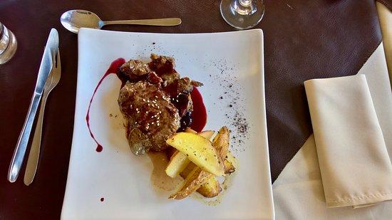 Hotel Lago Tyndall : The food