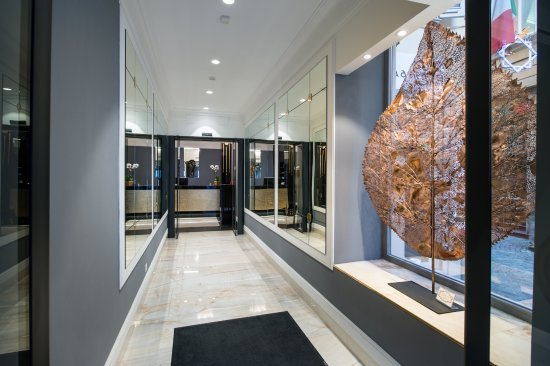 Art hotel orologio updated 2018 reviews price for Hotel art orologio bologna
